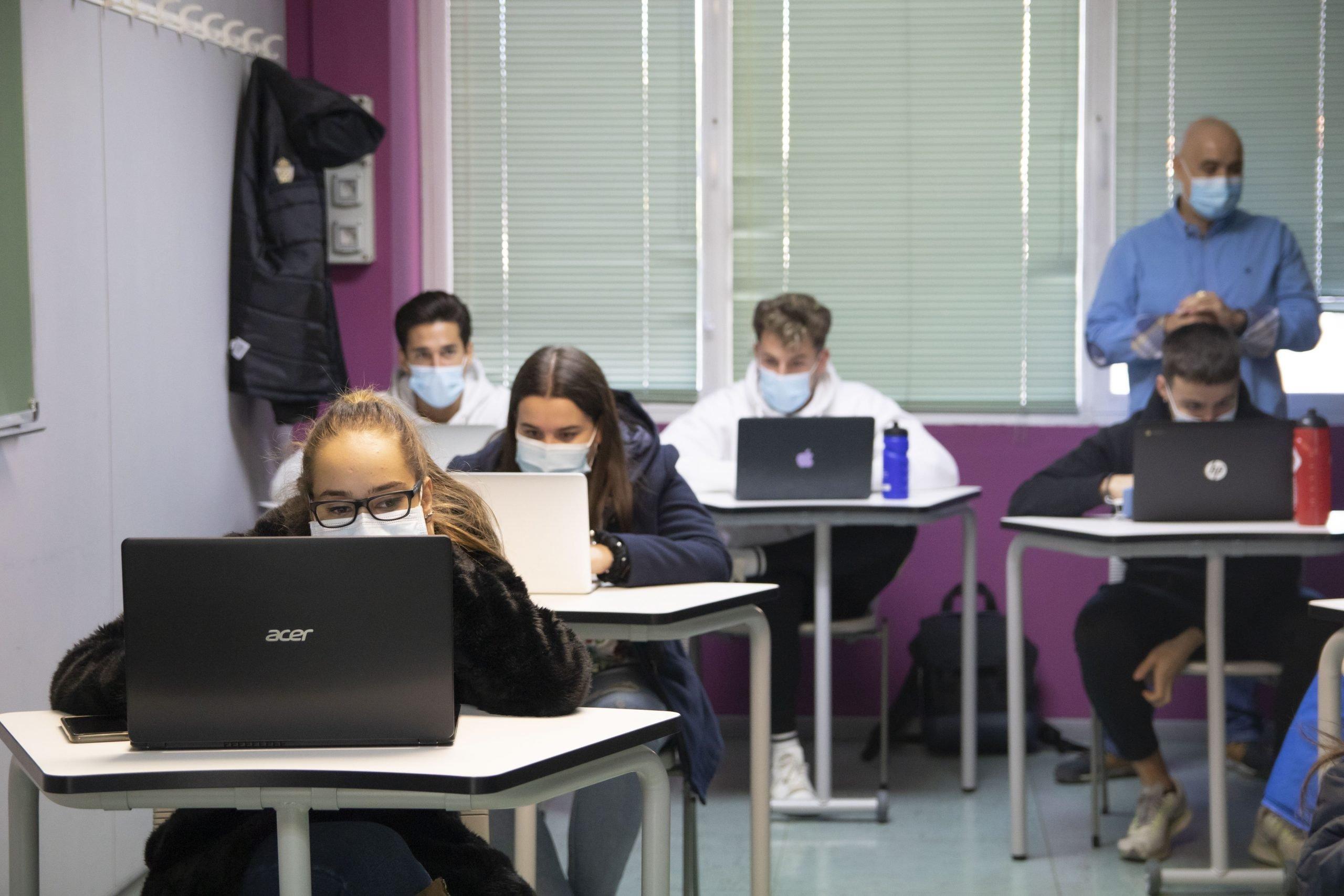 Alumnos de 1Dietetica en clase
