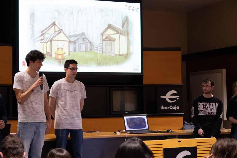alumnos presentacion de disaster games hiberus